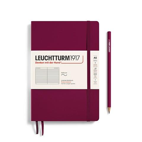 Notizbuch Medium (A5), Softcover, 123 nummerierte Seiten, Port Red, Liniert